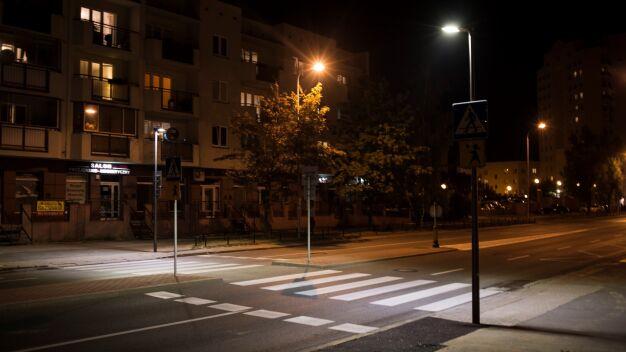 Doświetlają przejścia dla pieszych. Na liście 207 lokalizacji